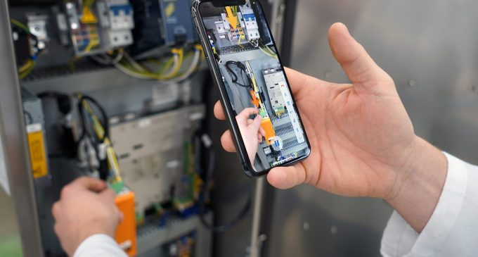 Mettler-Toledo adds Augmented Reality Customer Support to raise the bar on product inspection uptime